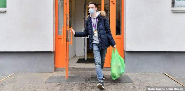 В Москве за выходные закрыли 13 магазинов за нарушения масочного режима. Фото: Ю. Иванко mos.ru