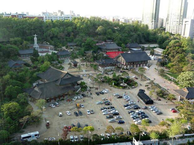 Хрма Бонынса. Сеул. Южная Корея.