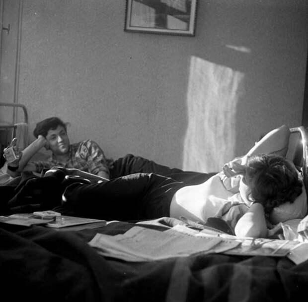 Разговоры о жизни могли длиться всю ночь девушки, интересно, ностальгия, общежития ссср, студенчество, фото
