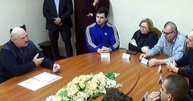 Разбитый протест и переговоры с Лукашенко в СИЗО КГБ. Итоги недели в Белоруссии