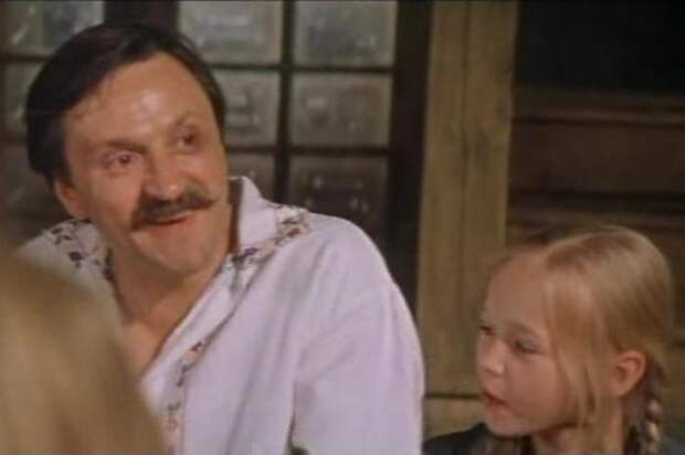 Кадр из фильма *А у нас была тишина…*, 1977 | Фото: kino-teatr.ru