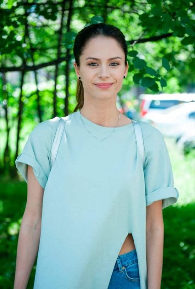 Как выглядят главные актёры российского сериала «Отель Элеон» в обычной жизни.