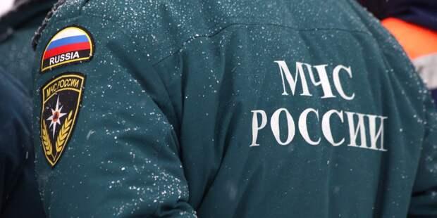 В подъезде дома на Костромской загорелись вещи и мусор