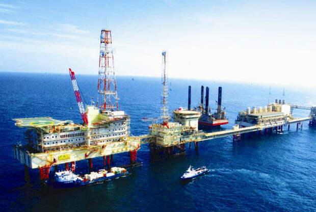 Нефть и высокие доходы.   Фото: Желтый Журавль.