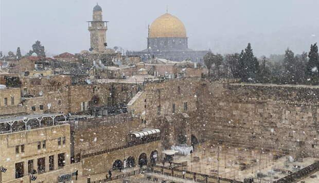 Молодые израильтяне начали мстить арабам за пощечины и горячий кофе в лицо евреям. ВИДЕО