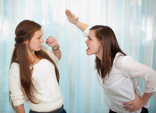 Поссорились с сестрой из-за сосисок и не общались больше пяти лет.
