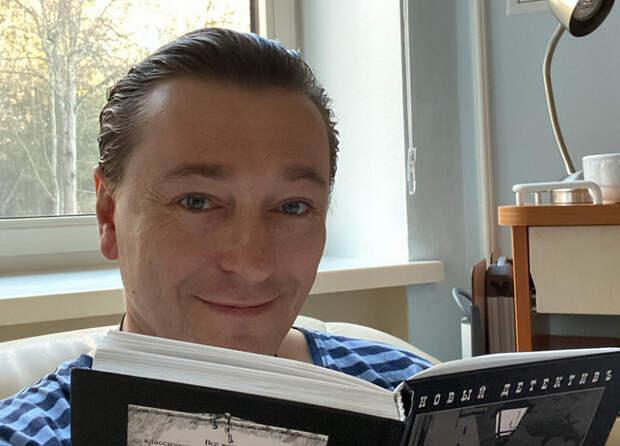Народного артиста Сергея Безрукова госпитализировали с коронавирусом