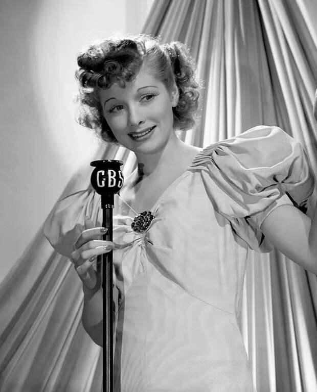 «Нельзя любить потелефону»: драматичная судьба комедийной актрисы Люсиль Болл