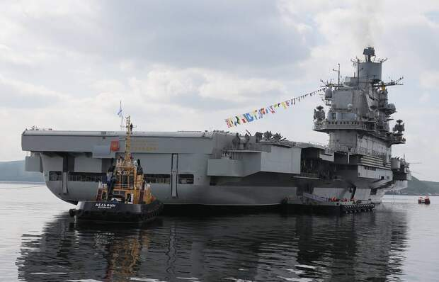 Бедный «Кузя»: Шойгу пора положить конец «художествам» с нашими кораблями