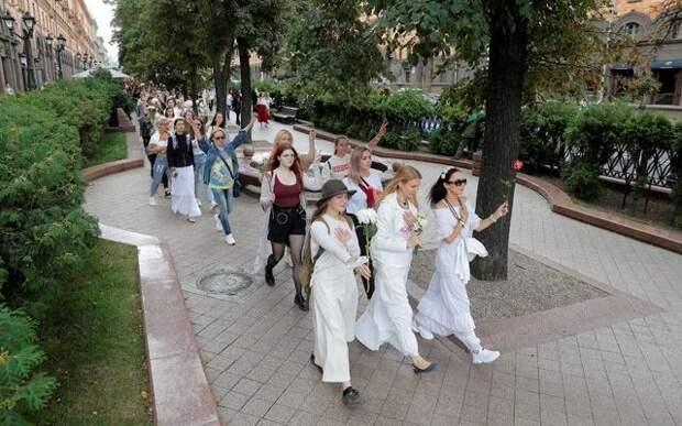 Как белорусских женщин используют по американской методичке