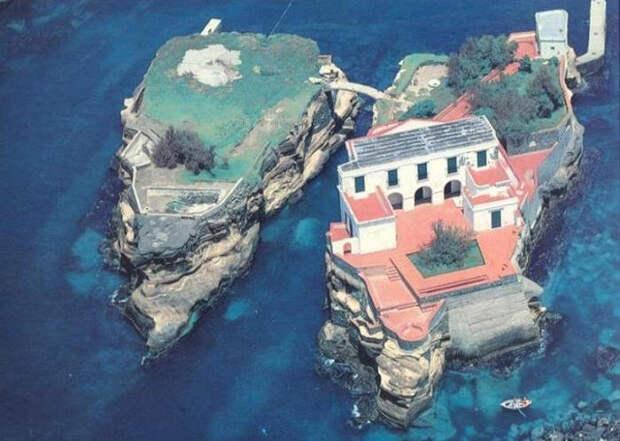 смерть, остров Гайола, загадки истории