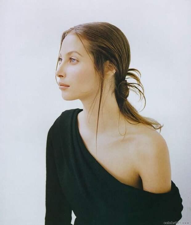 Красотка из 90-ых Кристи Тарлингтон