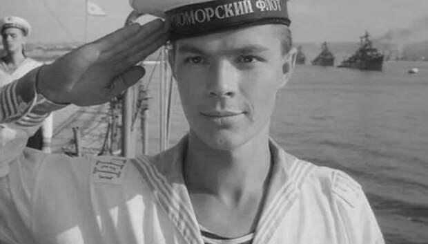 """Л. Прыгунов в фильме """"Увольнение на берег"""" (1962)"""