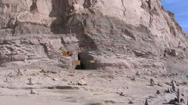 Под китайской пирамидой нашли труби из неизвестного металла возрастом более 100 тысяч лет