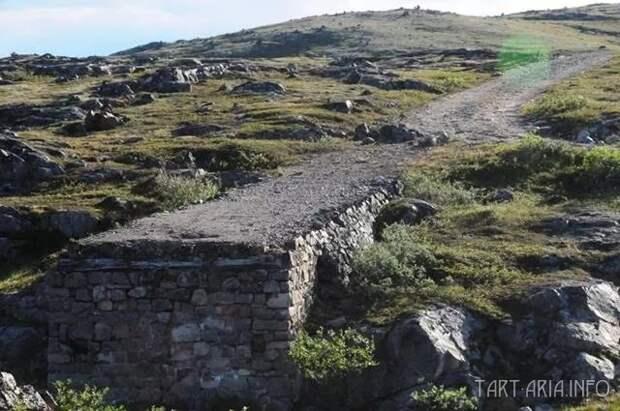 Фрагмент дороги «Из ниоткуда в никуда». Кольский полуостров. Фото из интернета