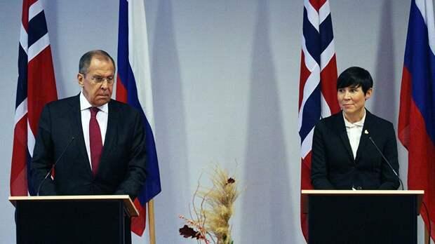 Лавров угрожает Норвегии проблемами из-за военной активности у российских границ