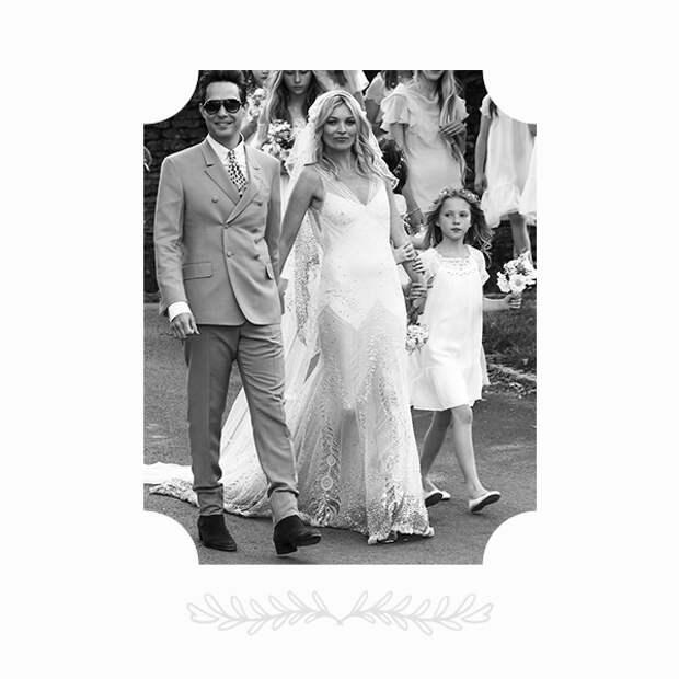 Кейт Мосс в платье John Galliano и Джейми Хинс