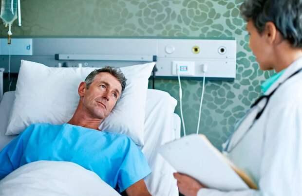 В больнице вышел из комы мужик, который почти десять месяцев пролежал без сознания. Пришёл в себя, огляделся, и видит сосед лежит рядом с перебинтованной ногой и читает газету.