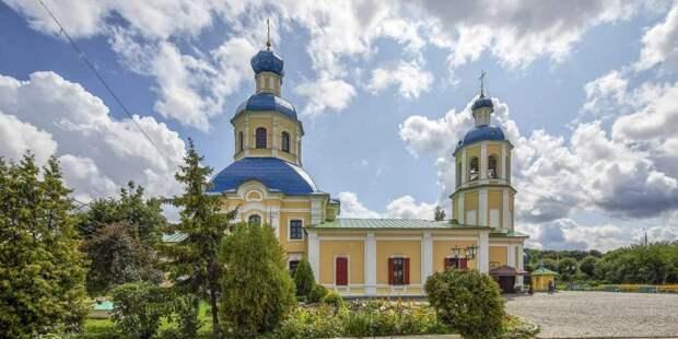 Патриарх призвал воздержаться от посещения церквей и храмов. Фото: mos.ru