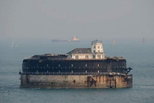 10 самых впечатляющих морских фортов (20 фото)