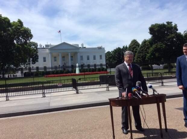 Майкл Бом подшутил над Порошенко после его встречи с Трампом