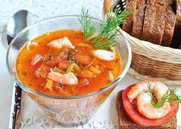 Томатный суп с лапшой●