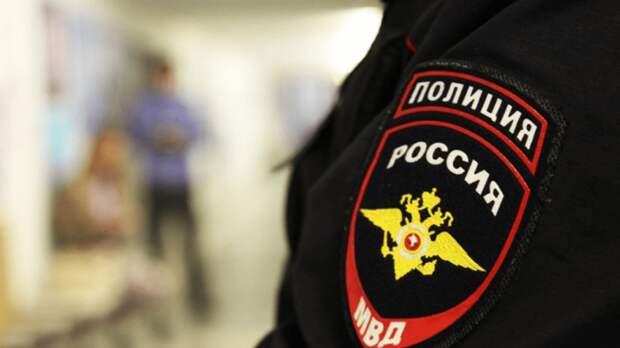 В Барнауле полицейские поймали девушку, которая выпрыгнула с 3 этажа, спасаясь от насильников