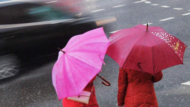 Москвичей предупредили об усилении ветра и проливных дождях