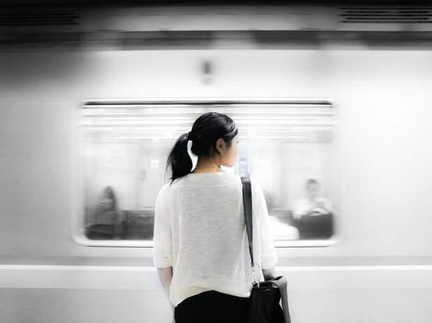 В России предложили сделать отдельные «женские» вагоны в метро