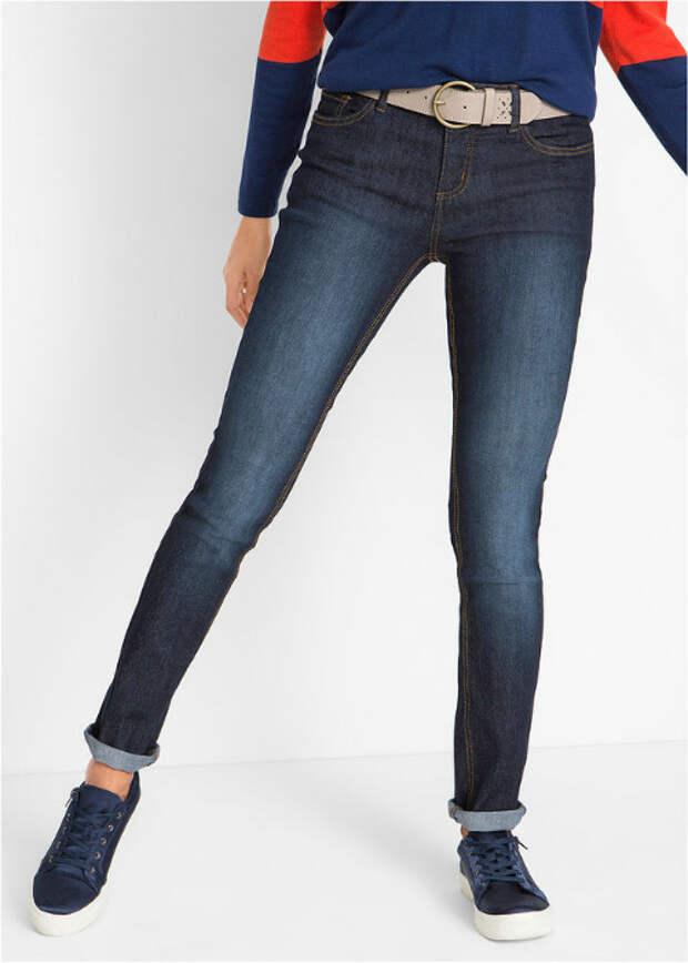 Длинные подвернутые джинсы. | Фото: Постила.