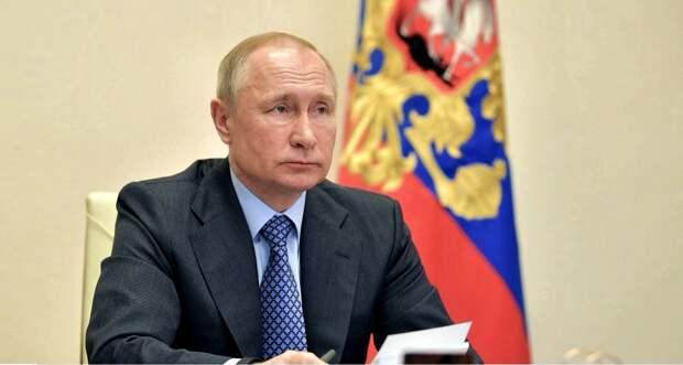 «Послушайте меня внимательно!» — Путин разнёс чиновников, тормозящих выплаты медикам (ВИДЕО)