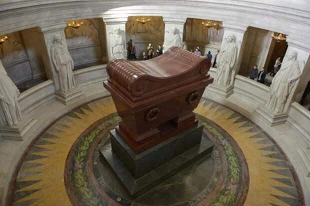 Гробница Наполеона.