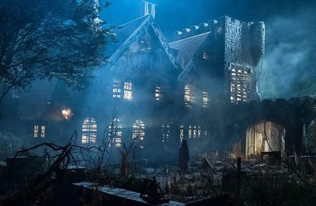 Получится ли у вас выйти из дома с привидениями целым и невредимым?