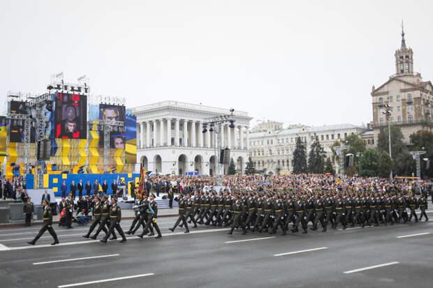 «Або не как у маскалiв»: Украинцы изменяют строевай шаг в армии
