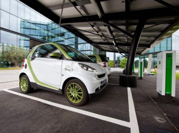 Во Франции введут экологический бонус для электрокаров