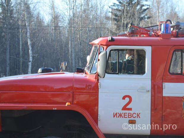 Два человека погибли в ночном пожаре в одной из деревень Удмуртии