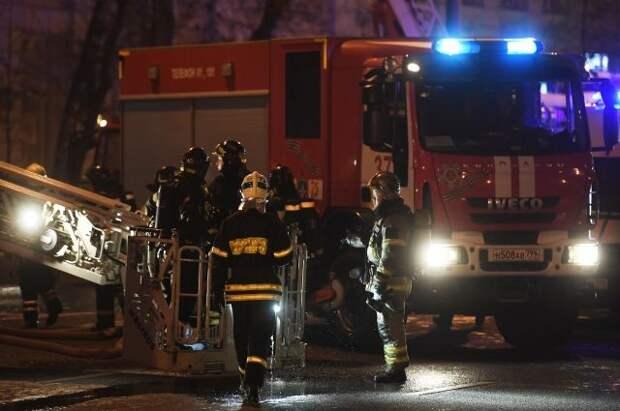 В центре Москвы при пожаре в жилом доме погиб один человек