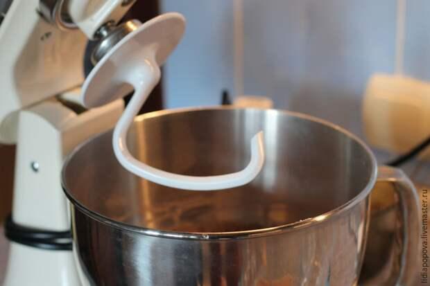 Делаем пряничное медовое тесто