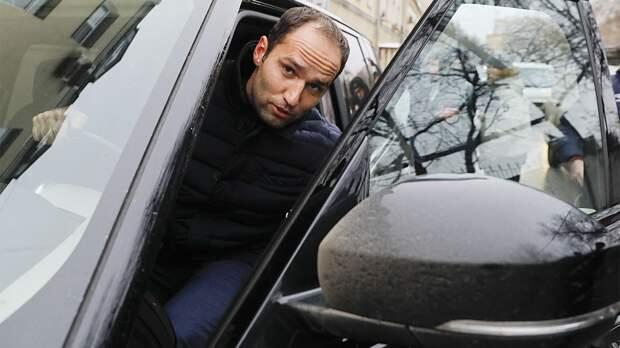 Адвокат заявил, что выплата Широковым штрафа в 100 тысяч рублей может затянуться: «У него сейчас зарплата 30 тысяч»