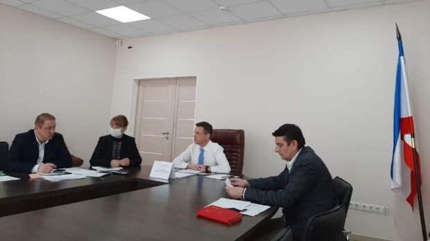 Максим Теряев принял участие в совещании в режиме видео-конференц-связи по вопросам проведения вакцинальной кампании против новой коронавирусной инфекции в Республике Крым