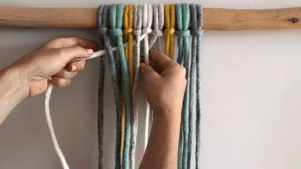 Элементарное плетение — отличная основа для эффектного декора
