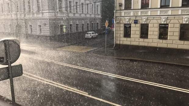 Москвичам рассказали, когда закончится рекордный дождь