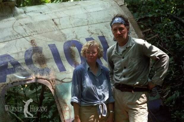 История выживания 17-летней школьницы после авиакатастрофы в перуанских джунглях