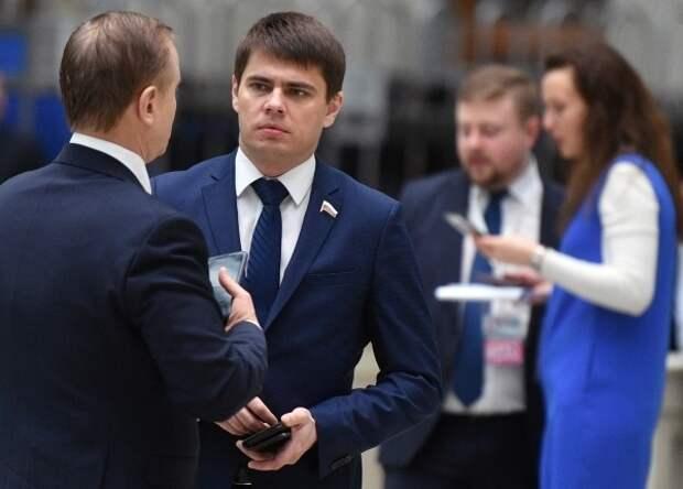 Депутат Боярский объяснил введение высоких штрафов за отказ сайтов удалить незаконные данные