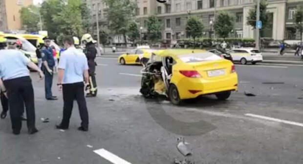 На Кутузовском проспекте столкнулись пять автомобилей. Есть жертвы