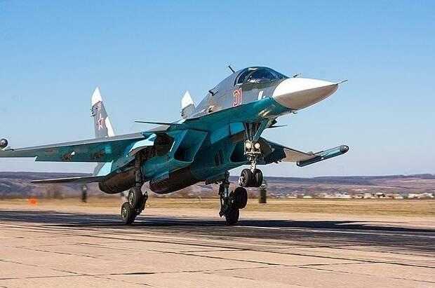 Бомбардировщики Су-34 доказали способность работать в Арктике - Известия