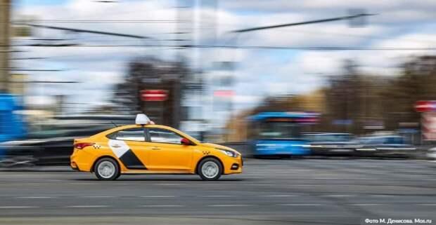 Собянин выделил средства организаторам бесплатной перевозки врачей на такси. Фото: М. Денисов mos.ru