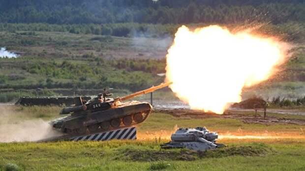 Возле линии разграничения вДонбассе заметили танки