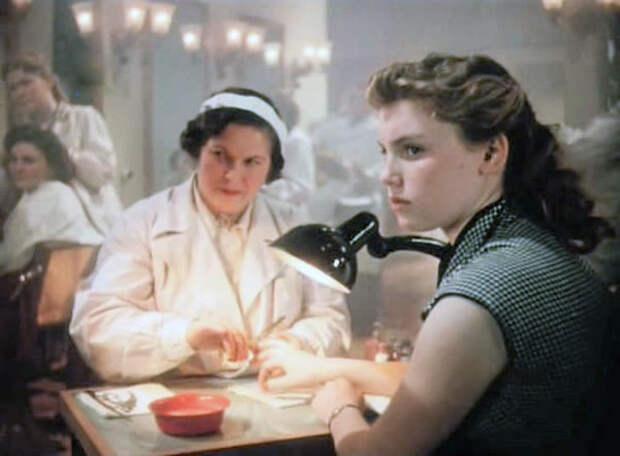 """Алла Будницкая в фильме """"Урок жизни"""" (1955)"""