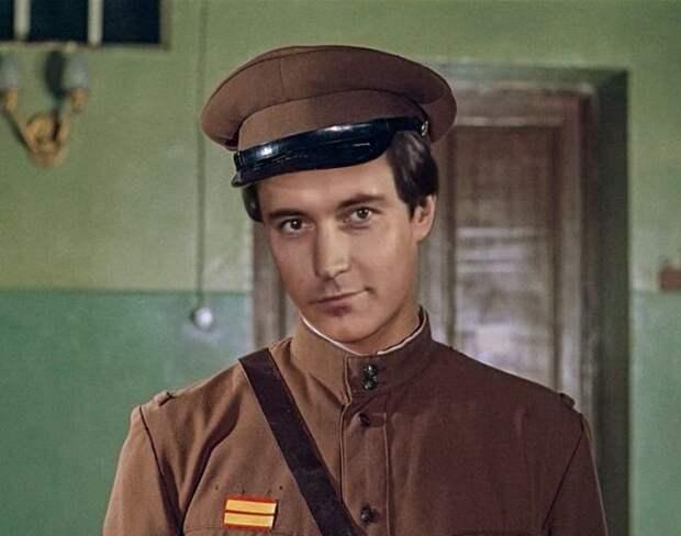 Актеры, которые могли бы сыграть главные роли в культовых советских фильмах